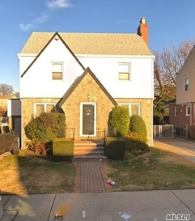 Fresh Meadows Single Family Home For Sale: 69-27 181 St