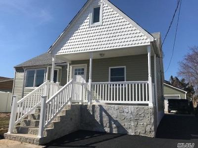 Lindenhurst Single Family Home For Sale: 611 Madison Ave