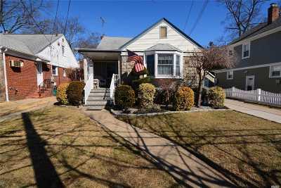 Lynbrook Single Family Home For Sale: 26 Hillside Ave