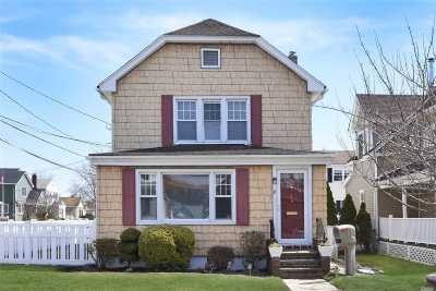 Single Family Home For Sale: 24 Plainfield Ave