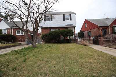 Fresh Meadows Single Family Home For Sale: 67-16 183rd St