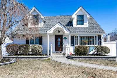Hicksville Single Family Home For Sale: 19 Salem Rd