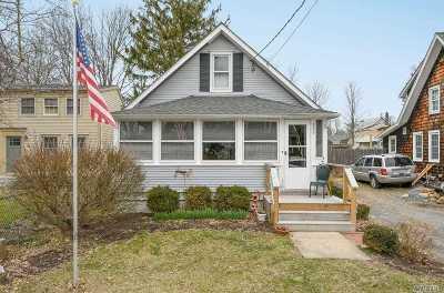 Greenport Single Family Home For Sale: 235 Bridge St
