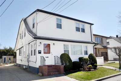 Franklin Square Single Family Home For Sale: 889 Yale Pl