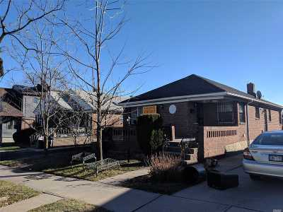 Fresh Meadows Single Family Home For Sale: 172-10 73rd Ave