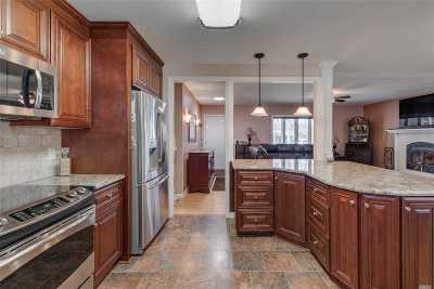 Aquebogue Single Family Home For Sale: 22 Ida Lane