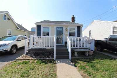 Single Family Home For Sale: 18 West Blvd