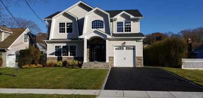 Syosset Single Family Home For Sale: 9 Fieldstone Dr