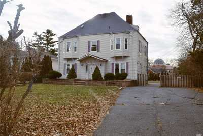 Hempstead Single Family Home For Sale: 117 Hilton Ave