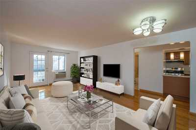 Flushing Condo/Townhouse For Sale: 36-21 193rd St #2D
