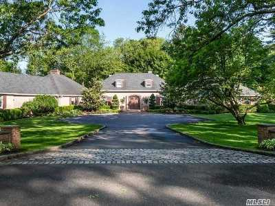 Brookville Single Family Home For Sale: 2 Country Ln