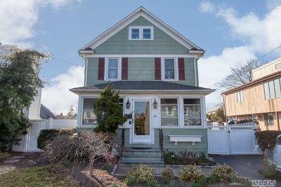 Farmingdale Single Family Home For Sale: 40 Nelson St