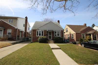 Bayside Single Family Home For Sale: 58-24 Clearview Expy St