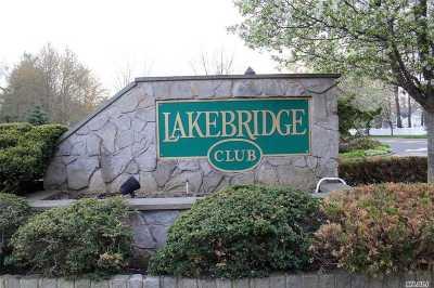 Kings Park Condo/Townhouse For Sale: 157 Lakebridge Dr
