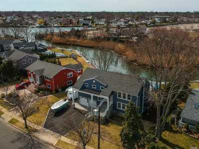 Massapequa Single Family Home For Sale: 67 W Shore Dr