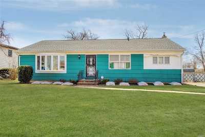 Massapequa Single Family Home For Sale: 83 Roosevelt Ave