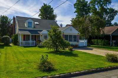 Port Washington Single Family Home For Sale: 12 Corchaug Ave