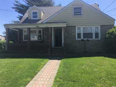 Uniondale Single Family Home For Sale: 305 Hawthorne Ave