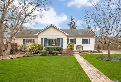 Ronkonkoma Single Family Home For Sale: 27 Blythe Rd