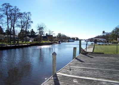 Center Moriches Single Family Home For Sale: 16 Red Bridge Rd