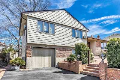Plainview Single Family Home For Sale: 136 Gerhard Rd