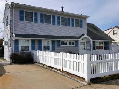 Massapequa Single Family Home For Sale: 46 Harrison Pl