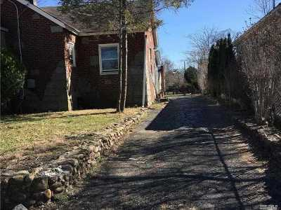 Uniondale Single Family Home For Sale: 624 Southern Pkwy