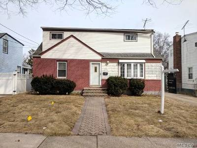 Uniondale Single Family Home For Sale: 173 Marvin Ave