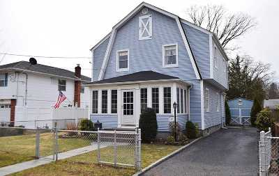 Bethpage Single Family Home For Sale: 139 N Windhorst Ave