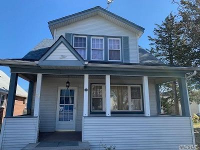 Floral Park Single Family Home For Sale: 31 Barwick St