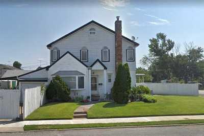 Bellerose, Glen Oaks Single Family Home For Sale: 80-41 Commonwealth Blvd