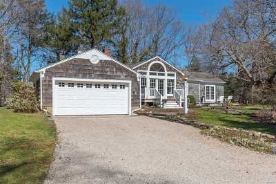 Centerport Single Family Home For Sale: 70 Laurel Hill Rd