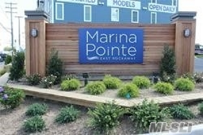 Condo/Townhouse For Sale: 613 Marina Pointe Dr Dr #613