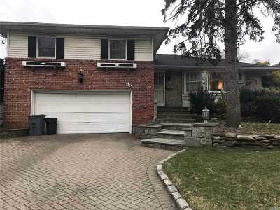 Roslyn Single Family Home For Sale: 82 Stratford North