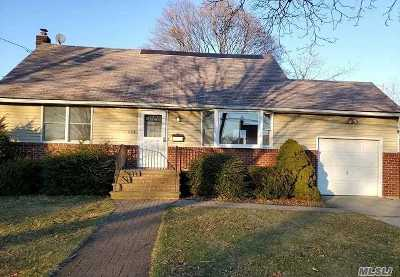 Lindenhurst Single Family Home For Sale: 226 S Travis St