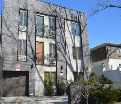 Middle Village Condo/Townhouse For Sale: 66-41 69th St #1D