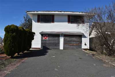 Queens County, Nassau County Single Family Home For Sale: 3410 Colony Dr