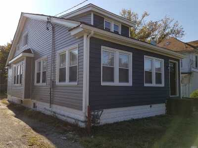 Roosevelt Single Family Home For Sale: 38 Mansfield Ave