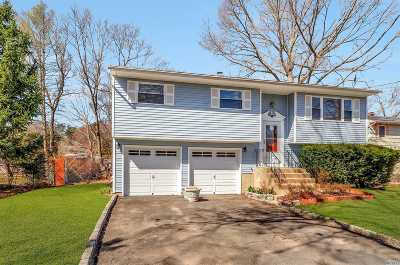 Ronkonkoma Single Family Home For Sale: 1056 Terry Rd
