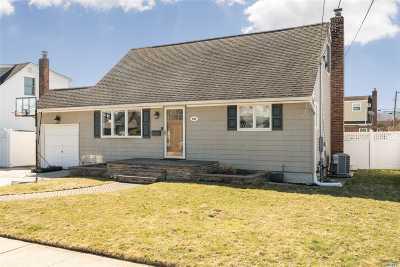 N. Massapequa Single Family Home For Sale: 204 N Nassau Ave