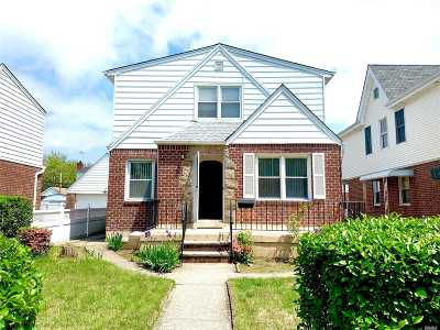 Glen Oaks Single Family Home For Sale: 82-19 267th St