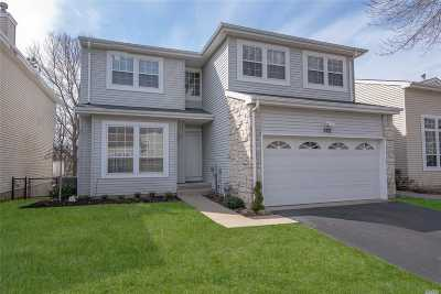 Holbrook Single Family Home For Sale: 222 E Fairfield Dr