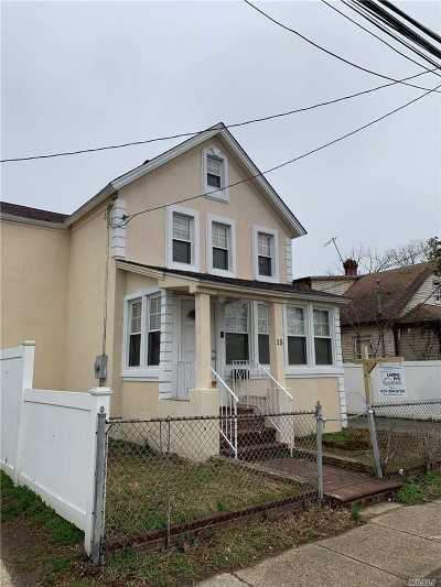 Hempstead Single Family Home For Sale: 15 Sycamore Ave
