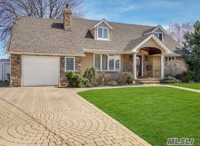 Massapequa Single Family Home For Sale: 74 Nearwater Ave