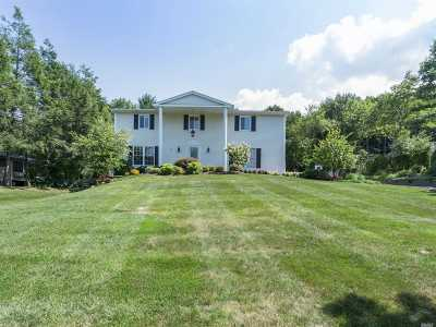 Smithtown Single Family Home For Sale: 44 Oakside Rd