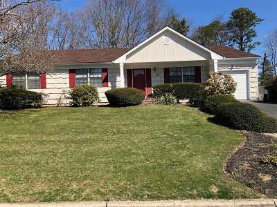 Dix Hills Single Family Home For Sale: 5 Millbrook Ct