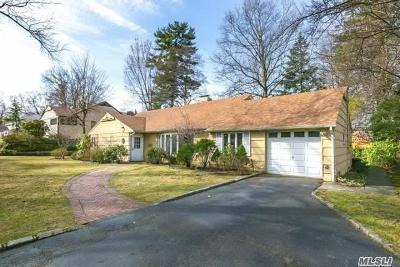 Great Neck Single Family Home For Sale: 6 Rivers Dr