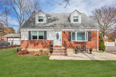 Greenlawn Single Family Home For Sale: 117 Cuba Hill Rd