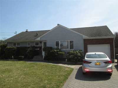 Commack Single Family Home For Sale: 8 Patricia Dr