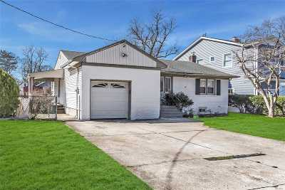 W. Hempstead Single Family Home For Sale: 540 Grant